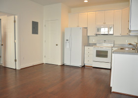 15 South Cameron Street, Apartment 102 - Kitchen